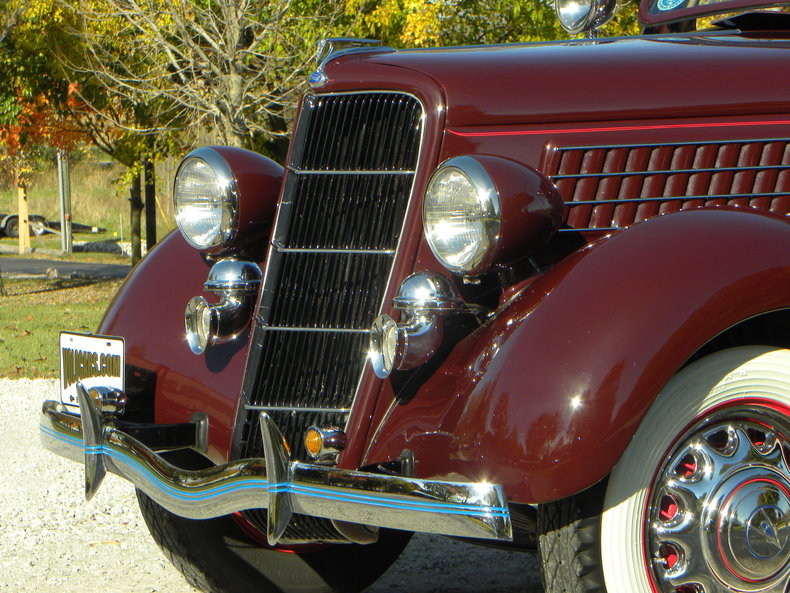1935 Ford Deluxe Image 15