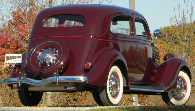 1935 Ford Deluxe Image 22