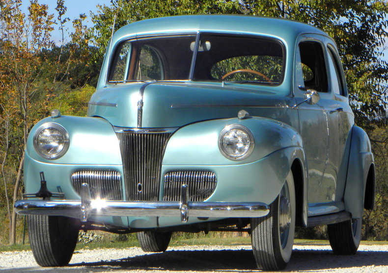 1941 Ford Deluxe Image 4