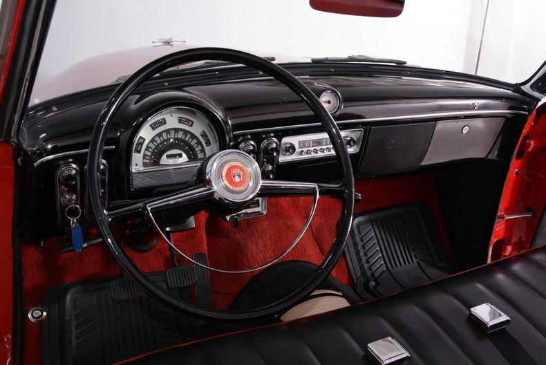 1953 Ford Crestline Image 2