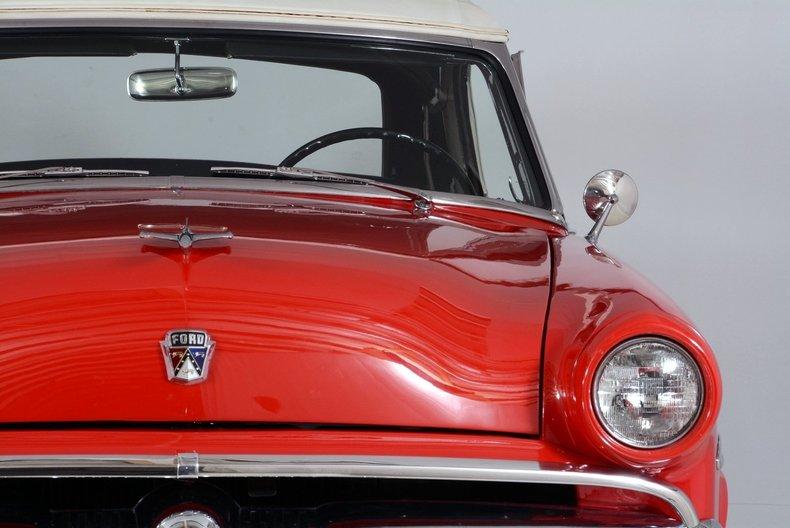 1953 Ford Crestline Image 5