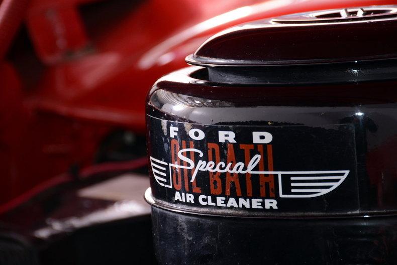 1953 Ford Crestline Image 6