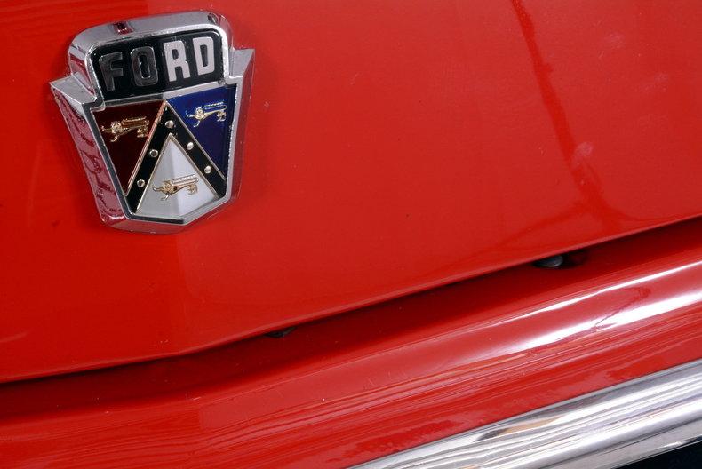 1953 Ford Crestline Image 15