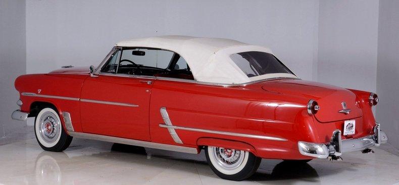 1953 Ford Crestline Image 19