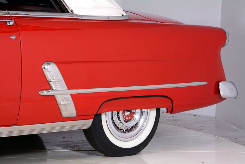 1953 Ford Crestline Image 20