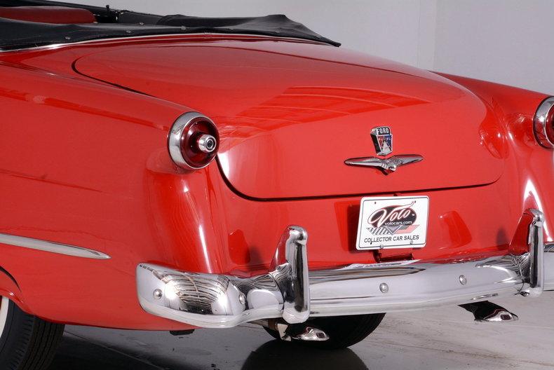 1953 Ford Crestline Image 22