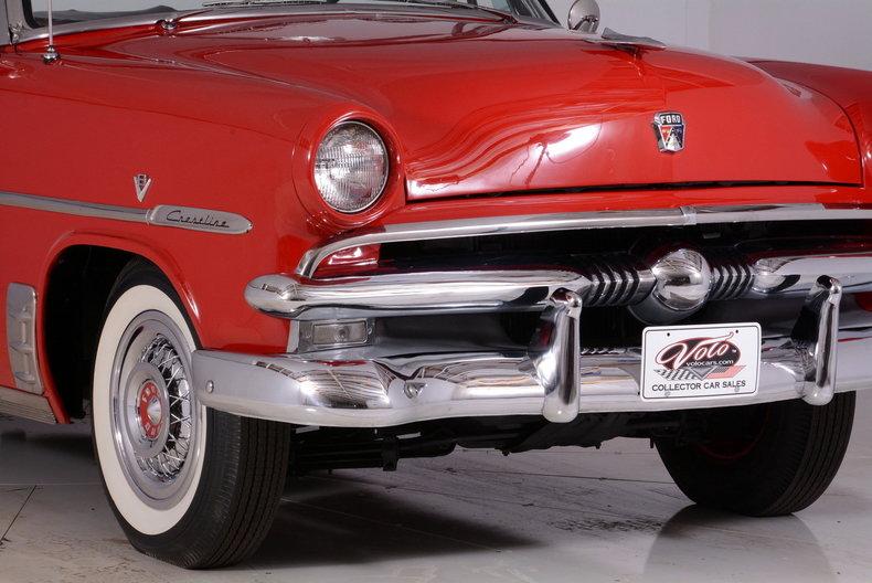 1953 Ford Crestline Image 24