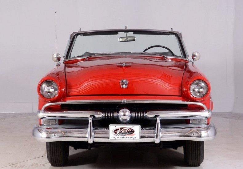 1953 Ford Crestline Image 27