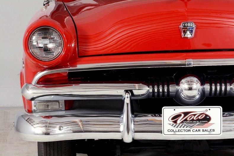 1953 Ford Crestline Image 49