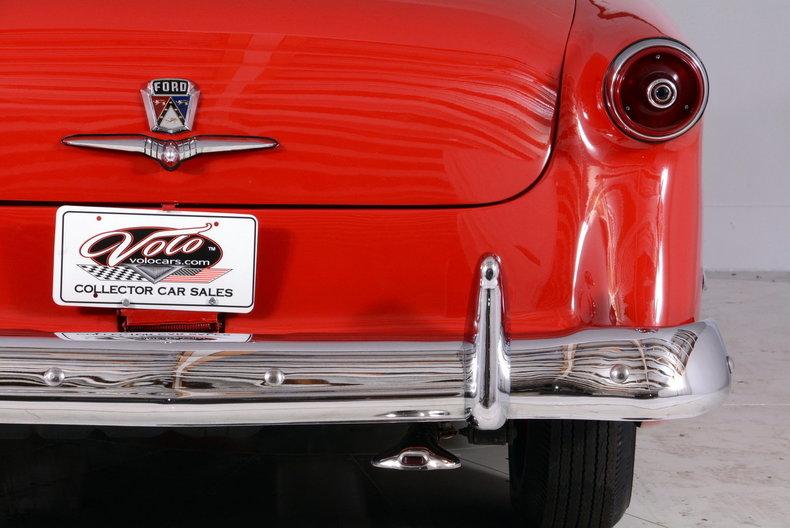 1953 Ford Crestline Image 62