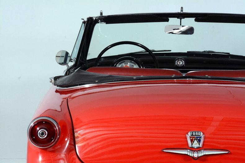 1953 Ford Crestline Image 65