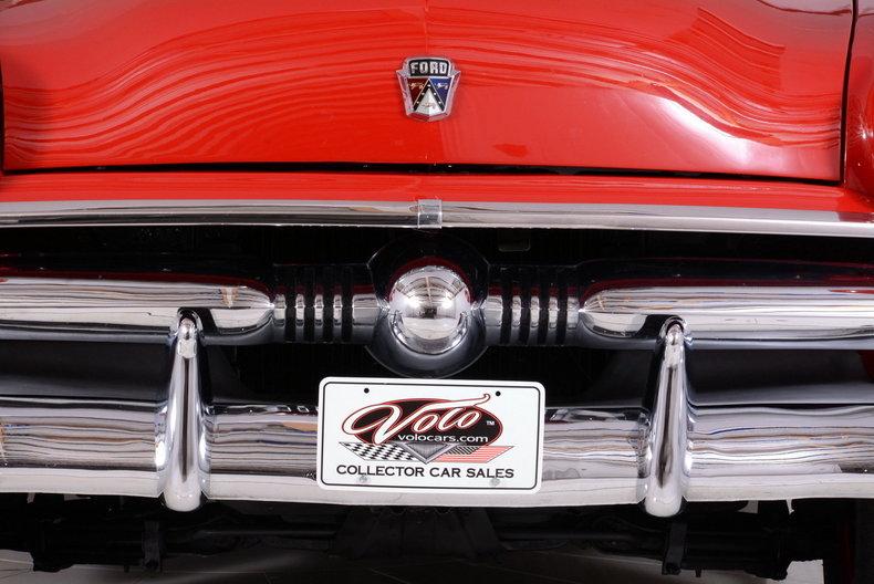 1953 Ford Crestline Image 70