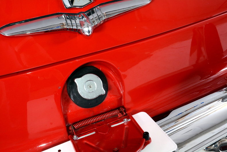 1953 Ford Crestline Image 75