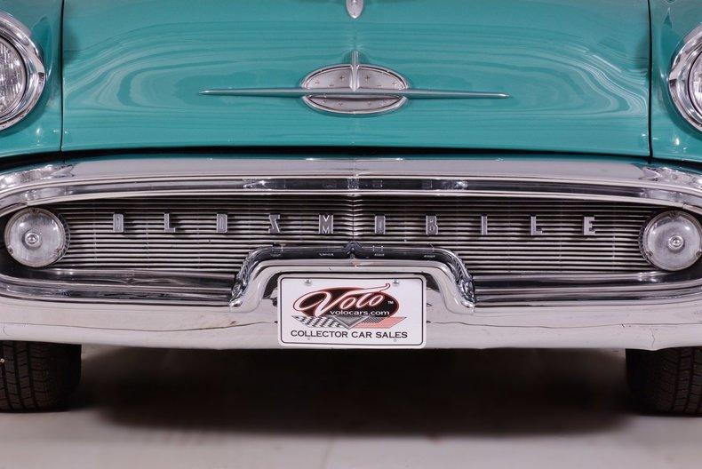 1957 Oldsmobile 88 Image 16