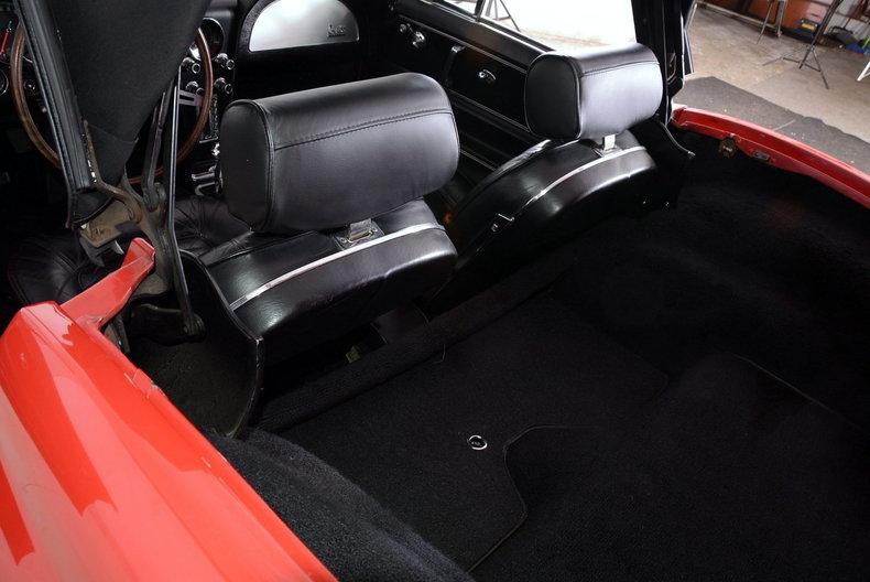 1966 Chevrolet Corvette Image 10