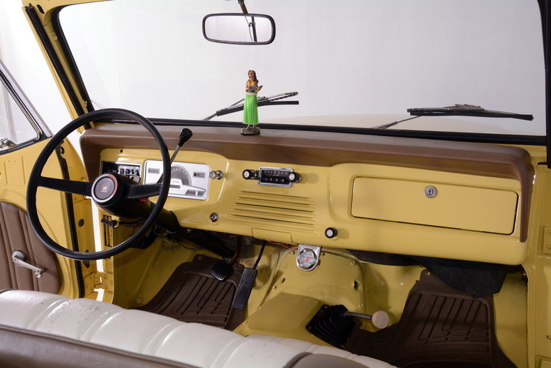 1973 Jeep Commando Image 2