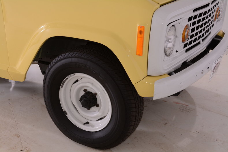 1973 Jeep Commando Image 12