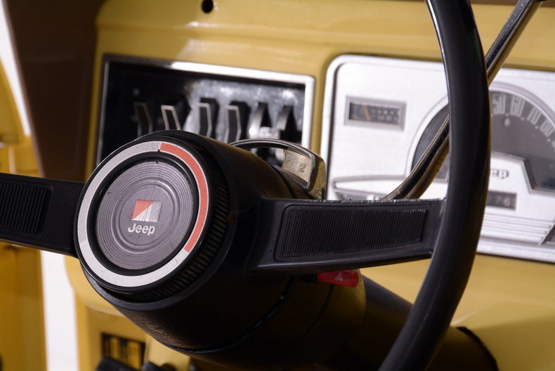 1973 Jeep Commando Image 13