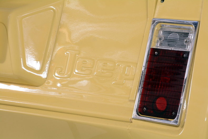 1973 Jeep Commando Image 20