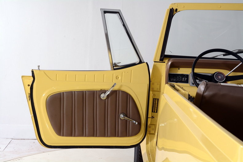 1973 Jeep Commando Image 23