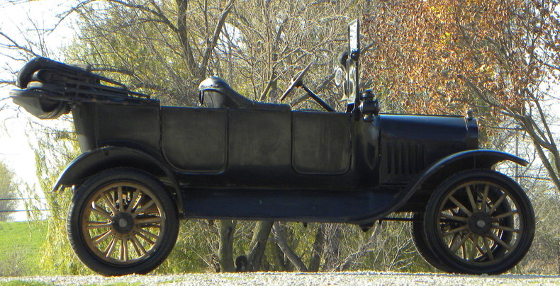 1917 Ford Model T Image 2