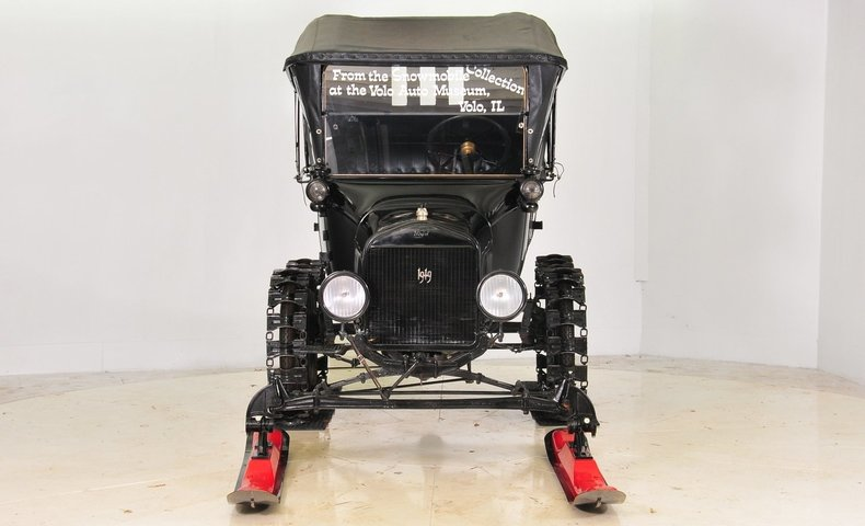 1919 Ford  Image 12