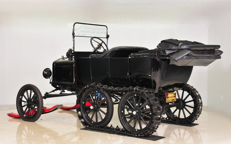 1919 Ford  Image 19