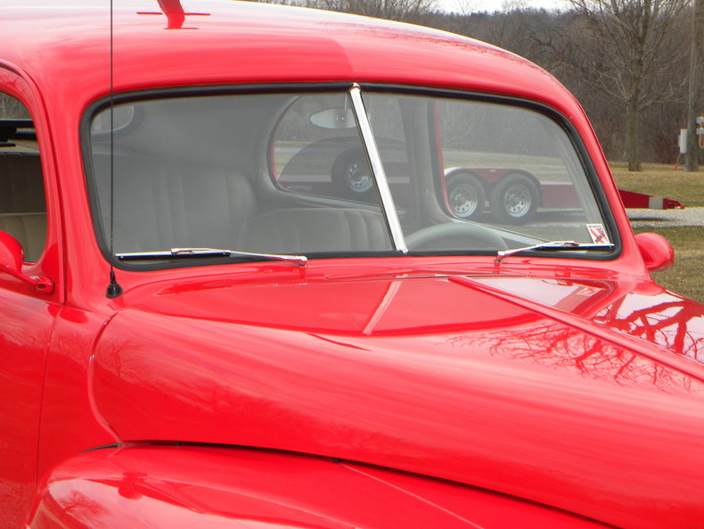 1947 Ford Deluxe Image 14