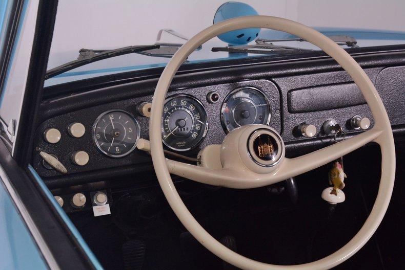 1967 Amphicar 770 Image 2