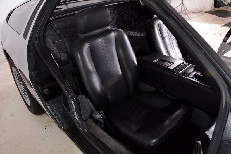 1981 DeLorean DMC-12 Image 24
