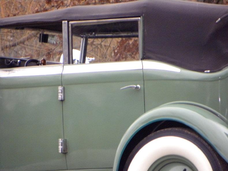 1933 Auburn 12-161A Image 21