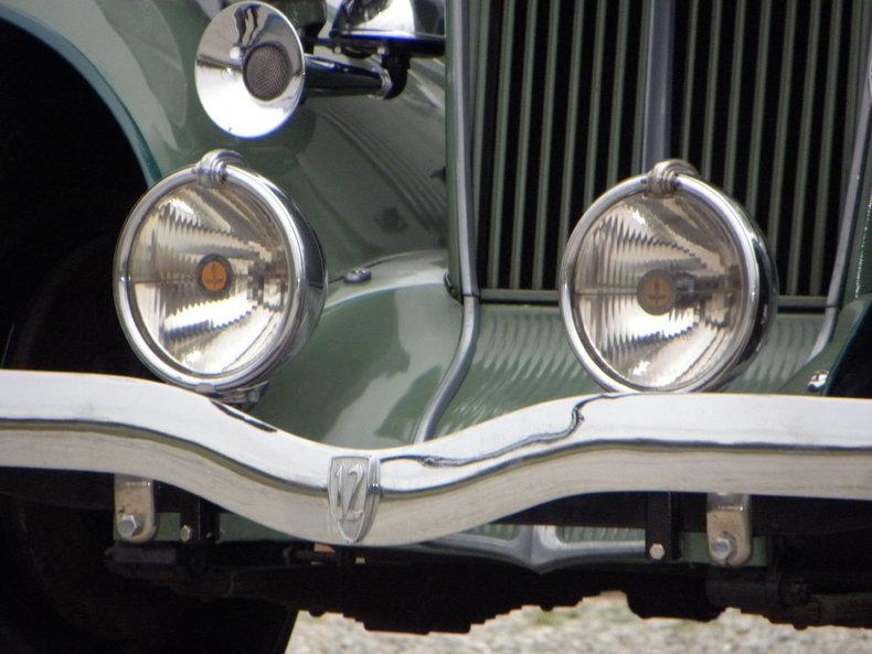 1933 Auburn 12-161A Image 27