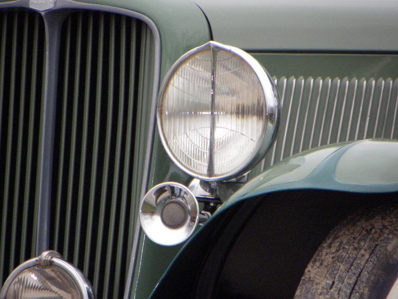1933 Auburn 12-161A Image 28