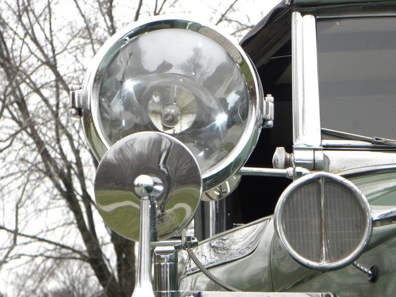 1933 Auburn 12-161A Image 31