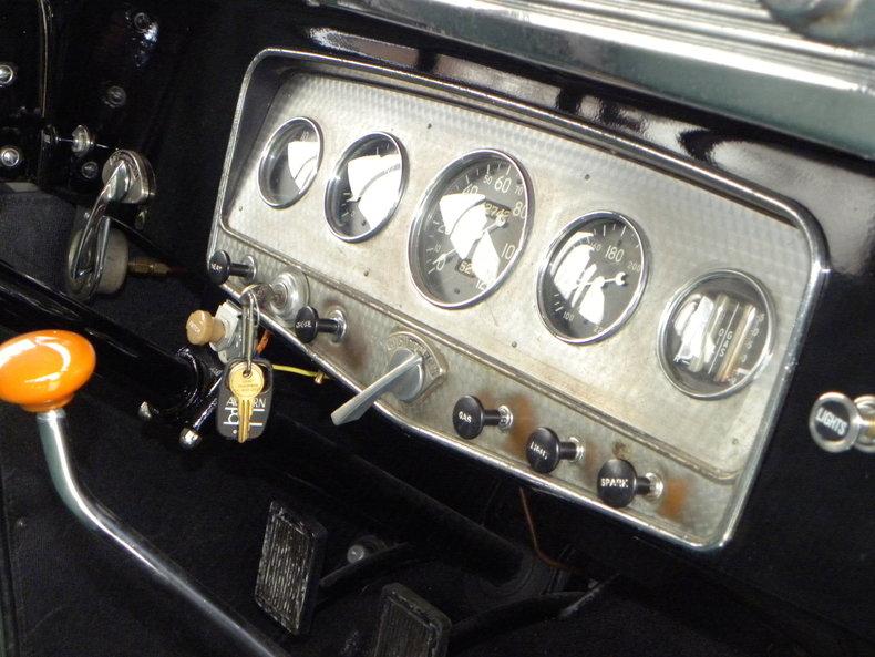 1933 Auburn 12-161A Image 40