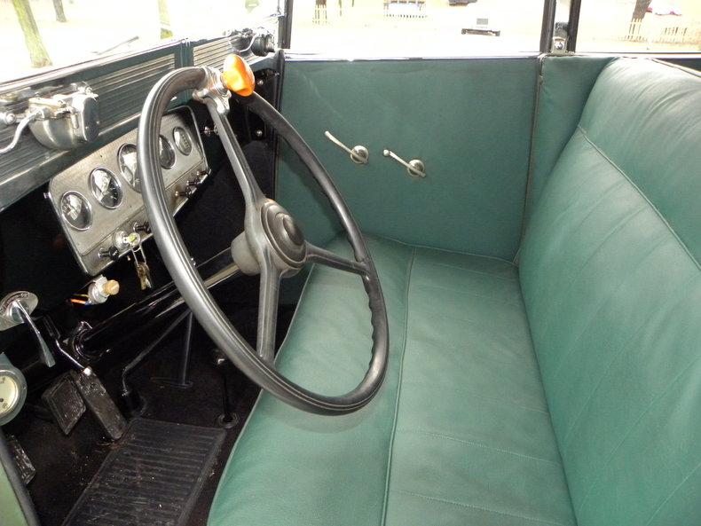 1933 Auburn 12-161A Image 43