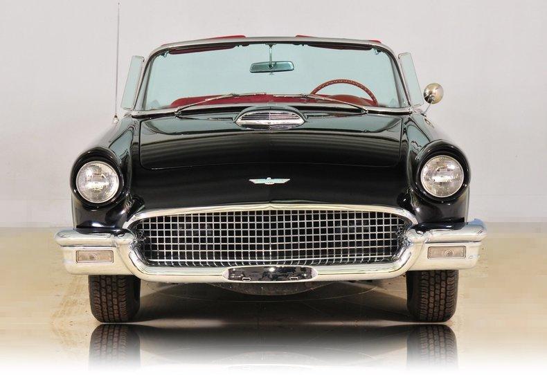 1957 Ford Thunderbird Image 5