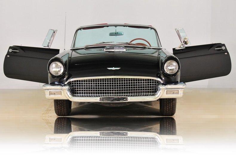 1957 Ford Thunderbird Image 13