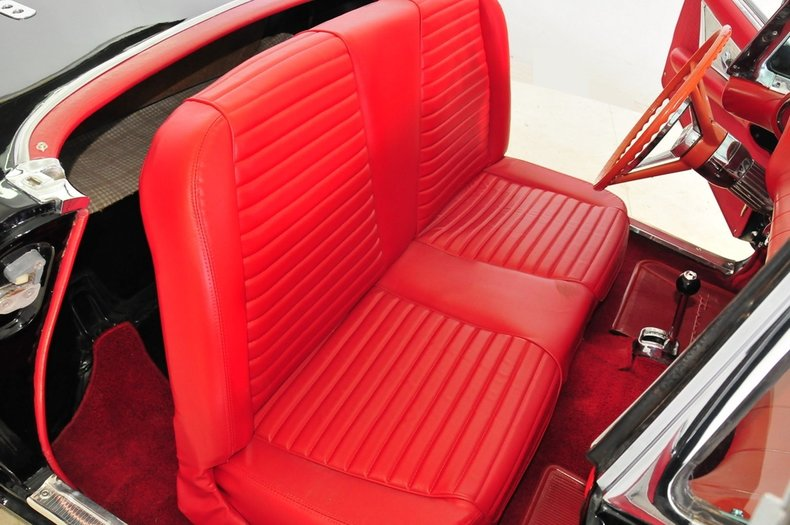 1957 Ford Thunderbird Image 16
