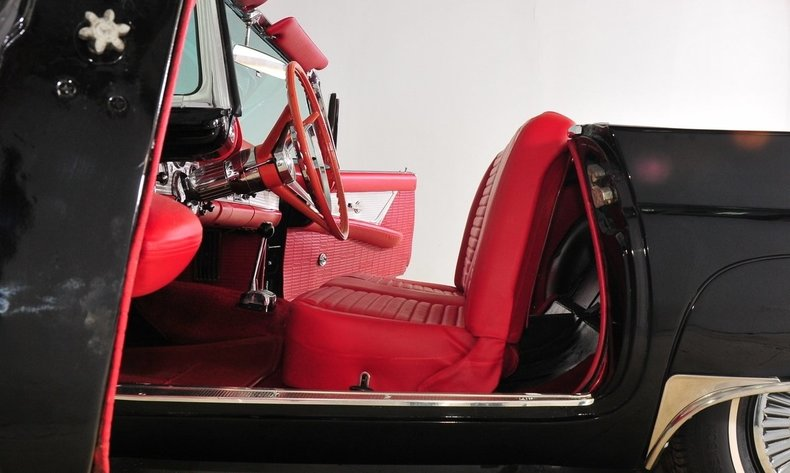 1957 Ford Thunderbird Image 29