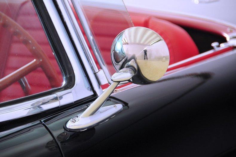 1957 Ford Thunderbird Image 36