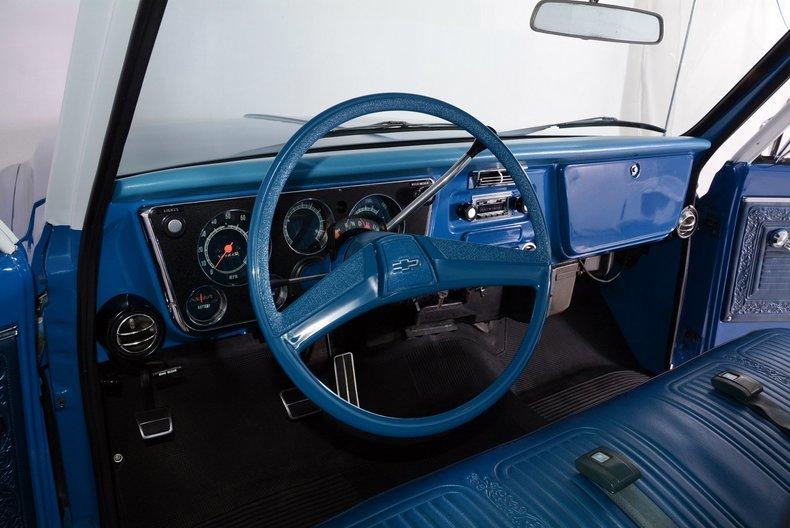 1970 Chevrolet Cheyenne Image 2