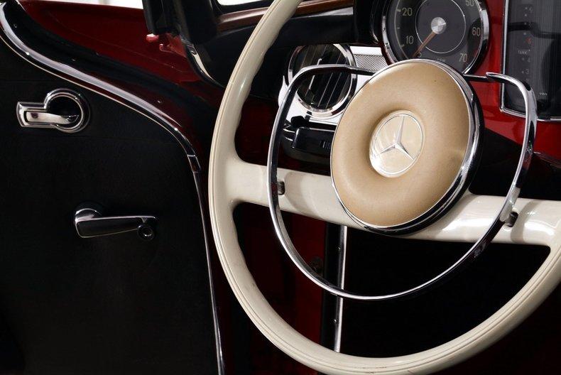 1964 Mercedes-Benz 230SL Image 18