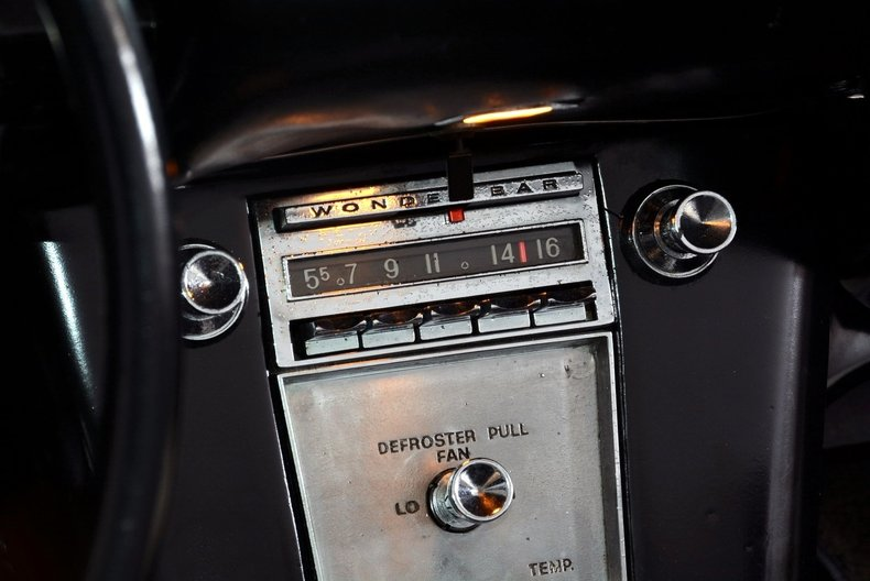 1962 Chevrolet Corvette Image 24