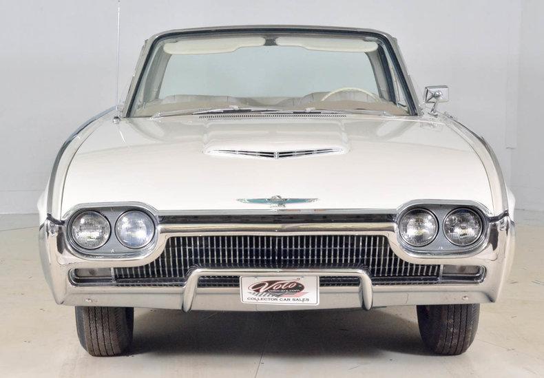 1963 Ford Thunderbird Image 9
