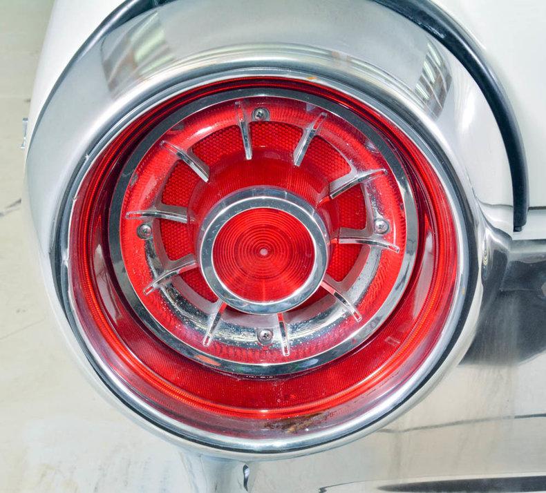1963 Ford Thunderbird Image 22