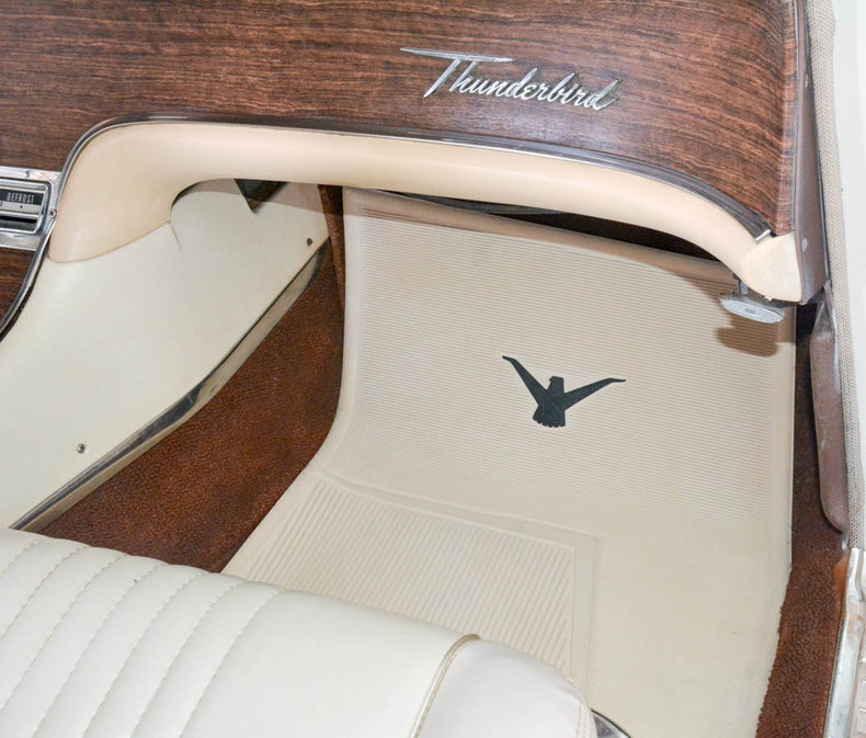 1963 Ford Thunderbird Image 60
