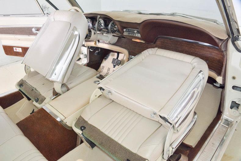 1963 Ford Thunderbird Image 54