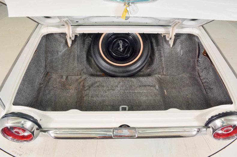 1963 Ford Thunderbird Image 61