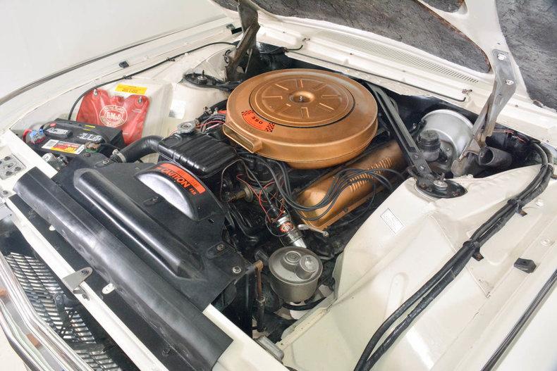 1963 Ford Thunderbird Image 32